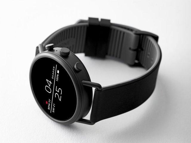 رونمایی از یک ساعت هوشمند مجهز به جی پی اس